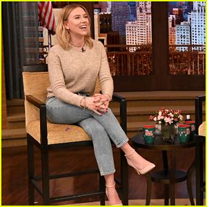 Scarlett Johansson Cooked Thanksgiving Dinner on Her Own for Thirteen People!