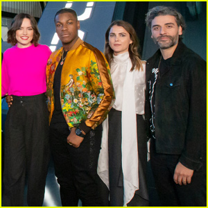 A Star Wars Cast Member Confesses To Sharing The Rise Of Skywalker Ending Oscar Isaac Star Wars Just Jared
