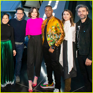 Daisy Ridley Star Wars The Rise Of Skywalker Cast Get First Look At New Disney Parks Star Wars Attraction Anthony Daniels Daisy Ridley J J Abrams John Boyega Kelly Marie Tran Keri