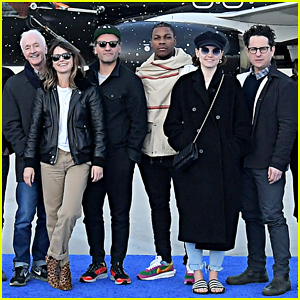 'Star Wars: The Rise of Skywalker' Cast Celebrate Launch of United Plane!
