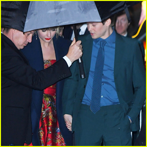 Taylor Swift & Boyfriend Joe Alwyn Hold Hands While Leaving 'Cats' World Premiere!