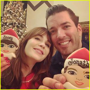 Zooey Deschanel & Jonathan Scott Pose with Lookalike Christmas Cookies!
