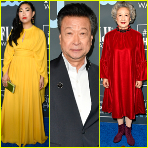 Awkwafina Joins Her 'The Farewell' Co-Stars at Critics' Choice Awards 2020