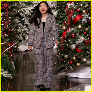 Awkwafina Tells 'Ellen' Her Grandmother Walked Out of 'The Farewell' at the 'Most Pivotal Part'!