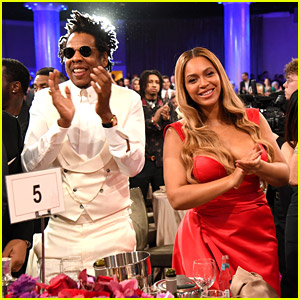 Beyonce & Jay-Z Get Standing Ovation at Clive Davis' Pre-Grammys Party 2020!