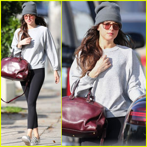 Dakota Johnson Kicks Off Her Weekend at the Yoga Studio
