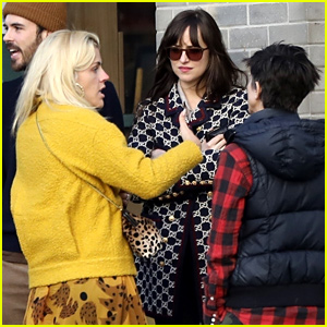 Dakota Johnson Runs Into Busy Philipps While Shopping in LA