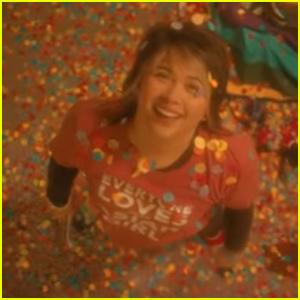 Hayley Kiyoko's 'She' Video is Full of 2000s Nostalgia - Read Lyrics & Watch!