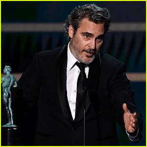Joaquin Phoenix Wins for 'Joker,' Pays Tribute to Heath Ledger at SAG Awards 2020 (Video)