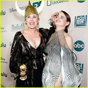 Joey King Reveals How Patricia Arquette Gave Her That Bruise at Golden Globes 2020