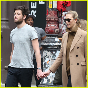 Karlie Kloss & Husband Joshua Kushner Run Errands Together in NYC