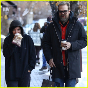 Lily Allen & David Harbour Couple Up For Trip to Aspen!