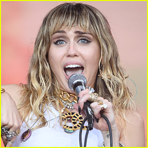 Miley Cyrus Says She's Not Invited to Awards Shows Anymore for This Reason!