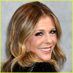 Rita Wilson's Golden Globes 2020 Hair & Makeup Person Is Very Late & She's 'Trying to Be Zen' About It