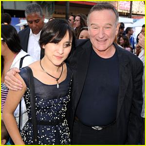 Robin Williams' Daughter Zelda Gets Genie on Disney Character Instagram Filter