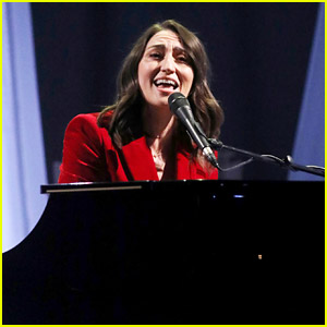 Sara Bareilles Performs 'She Used to Be Mine,' Has Best TV Experience Ever on 'Graham Norton Show'
