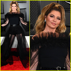 Shania Twain Wows in Black Gown at Grammys 2020
