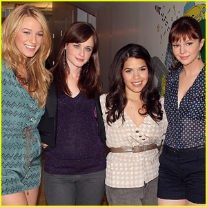This 'Sisterhood of the Traveling Pants' Co-Star Gets the 'Most Lit' When They All Go Out Together!