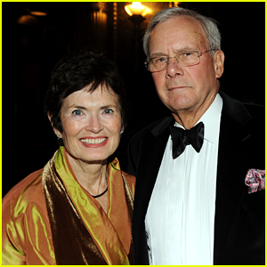 Fire Erupts at Tom Brokaw & Wife's NYC Apartment Building