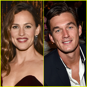 Tyler Cameron Shoots His Shot with Jennifer Garner in Her Instagram Comments!