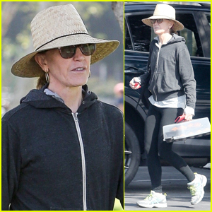 Felicity Huffman Keeps Low Profile Under Straw Hat While Working on Community Service Hours