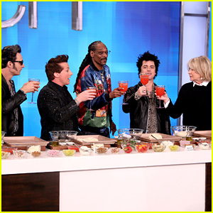 Green Day Learns to Cook With Martha Stewart & Snoop Dogg - Watch! (Video)