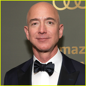 Jeff Bezos Gets Totally Roasted for Being So Rich at Oscars 2020 (Video)
