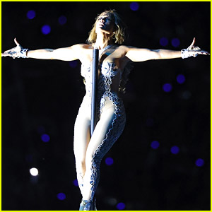 Jennifer Lopez's Pole Dance at Super Bowl 2020 Was the Moment of the Night!