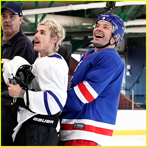 Justin Bieber Skates Circles Around Jimmy Fallon While Teaching Him How To Play Hockey
