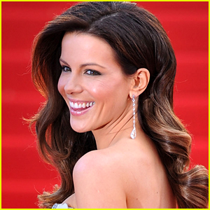 Kate Beckinsale Stuns in a Bikini in Hot Instagram Photo - See the Pic!
