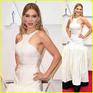 Lea Seydoux Is All Smiles on Oscars 2020 Red Carpet!