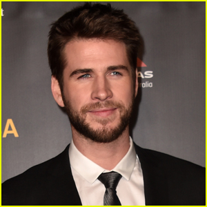 Liam Hemsworth's New Movie 'Arkansas' Releases Official Poster!