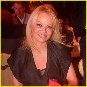 Pamela Anderson Reacts to Rumors That Ex-Husband Jon Peters Paid Off Her Debts