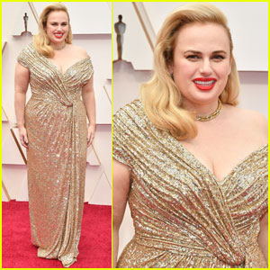 Rebel Wilson Shows Off Her Fit Figure in Shimmering Dress at Oscars 2020