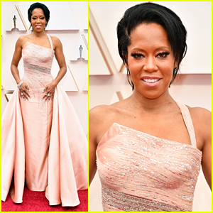 Regina King Shines In a Light Pink Gown at Oscars 2020