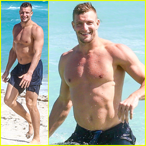 NFL's Rob Gronkowski Looks Like He Doesn't Miss a Day at the Gym!