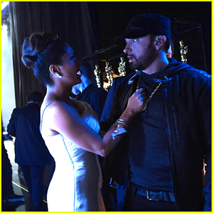 Salma Hayek Reveals She Spilled Water All Over Eminem at Oscars 2020!