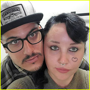 Amanda Bynes Is Pregnant, Expecting First Child With Fiance Paul Michael