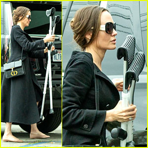 Angelina Jolie Carries Shiloh's Crutches While Going to the Movies
