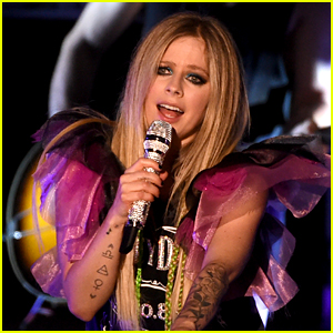 Avril Lavigne Cancels Europe & UK 'Head Above Water' Tour Dates Amid Coronavirus Outbreak
