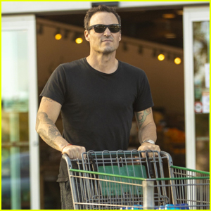 Brian Austin Green Stops by the Grocery Store in Calabasas