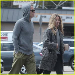 Chris Pine & Girlfriend Annabelle Wallis Stock Up on Groceries Amid Quarantine