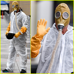 Howie Mandel Wears Hazmat Suit & Gas Mask to 'AGT'