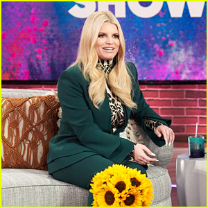 Jessica Simpson Overcame Her Stutter by Singing - Watch! (Video)