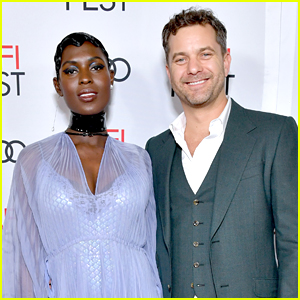Joshua Jackson & Jodie Turner-Smith Stream His New Show 'Little Fires Everywhere' Together