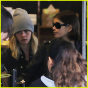 Kaia Gerber & Cara Delevingne Pick Up Groceries in WeHo for Their Quarantine Group