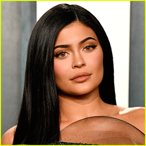 Kylie Jenner Explains What Happened to Her Toes After Getting Roasted Online