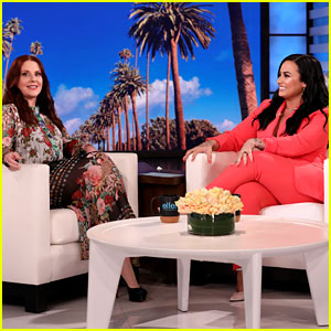 Demi Lovato & Megan Mullally Reveal Who They Want to Win 'The Bachelor'