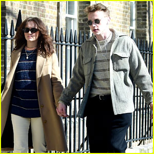 British Actors Olivia Cooke & Ben Hardy Are Dating - See the Kissing Photos!