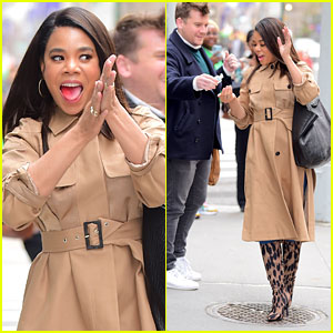 Regina Hall Stops to Purell Her Hands After Meeting Fans